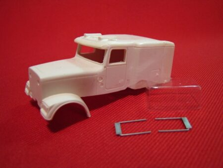 Classic Flat Top (SpecCast Freightliner Classic Frame)
