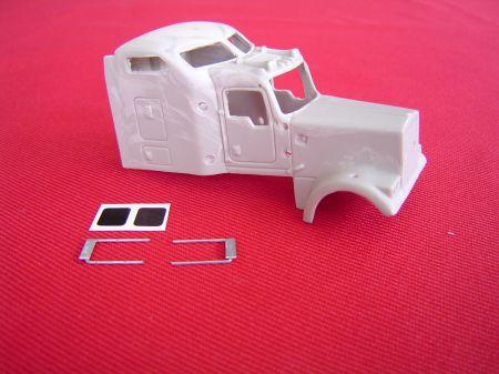 "W900L 72"" Aerocab Sleeper (PEM Frame)"